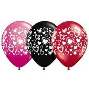 Szív mintás gumi lufi - fekete - piros - 28cm